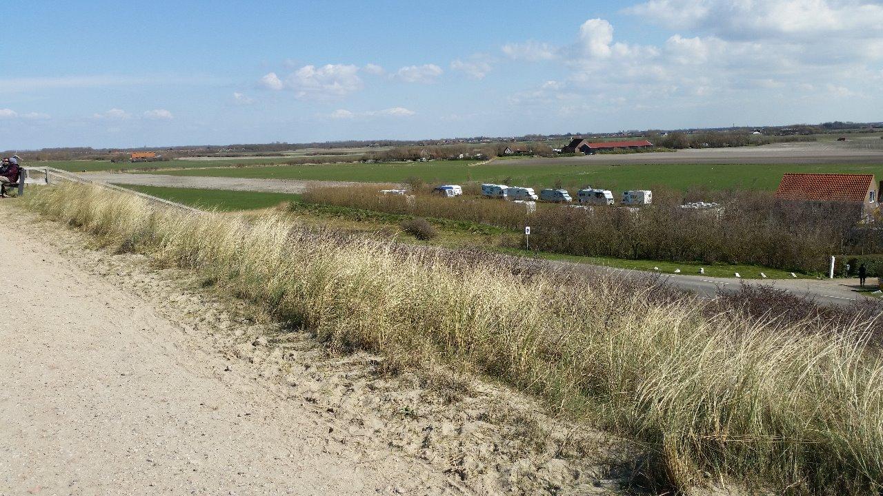 Camping in Domburg - minicamping Noordduin gezien vanaf duinen